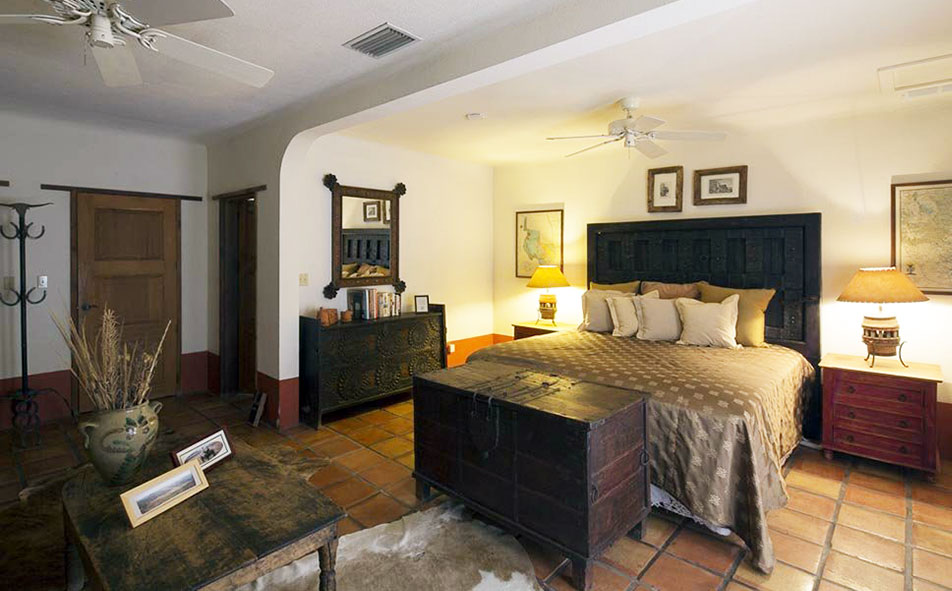 Cibolo Creek Ranch King Courtyard Room with Queen Sleeper