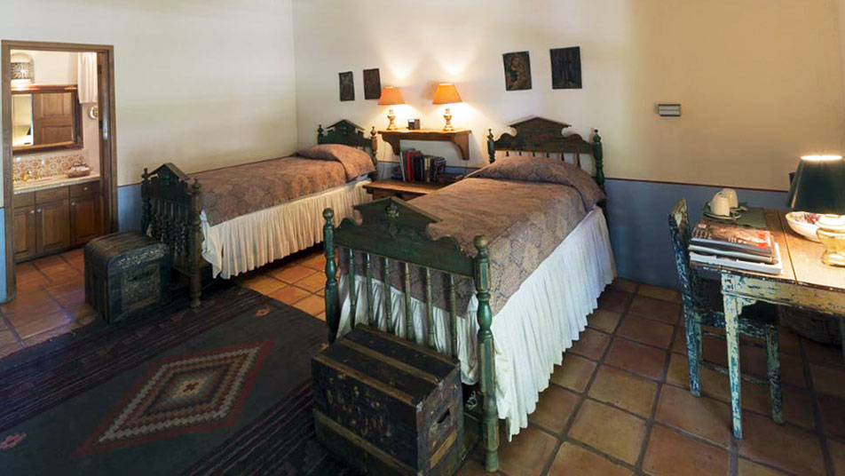 Cibolo Creek Ranch Three Twin Courtyard Room